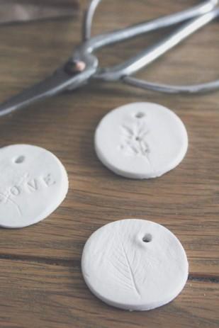 La mariee aux pieds nus - DiY - Fabriquer des petites medailles de cadeaux d invite - 9