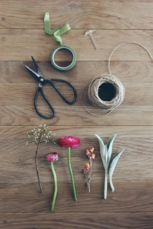 La mariee aux pieds nus - DiY comment faire une boutonniere pour homme - fleurs - 1