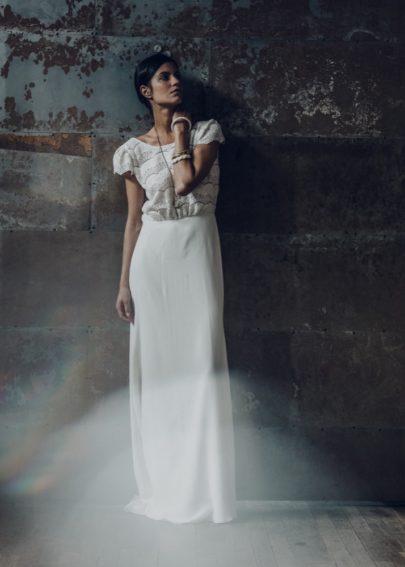La mariée aux pieds nus - Laure de Sagazan - Robes de mariée - Collection 2016 - Robe Verlaine - Photo : Laurent Nivalle