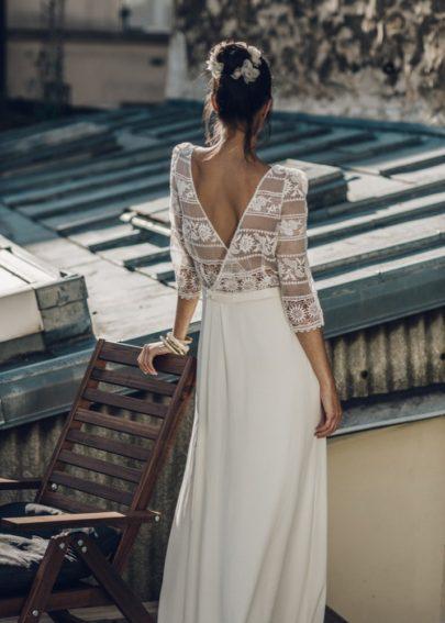 La mariée aux pieds nus - Laure de Sagazan - Robes de mariée - Collection 2016 - Robe Perec et Couronne Bellay - Photo : Laurent Nivalle