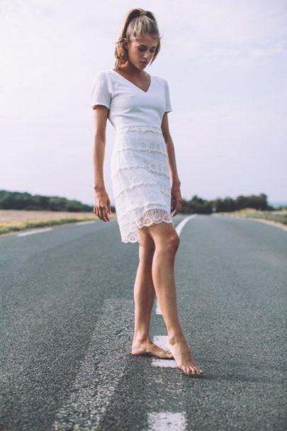 LA MARIEE AUX PIEDS NUS - Photographe Laurence Revol - LORAFOLK - Collection de robes de mariée courtes - Modele FRIDA