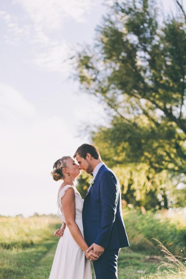 Laurent Brouzet - Un mariage colore en camargue - La mariee aux pieds nus