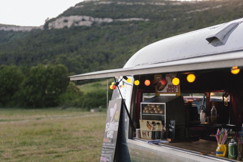 Un food-truck pour son diner de mariage - La mariée aux pieds nus
