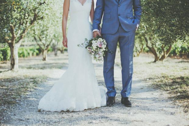 ©David Latour - Un mariage romantique a Bandol - La mariee aux pieds nus