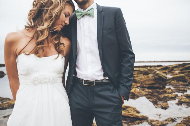 Celine Hamelin - Un mariage au bord de la falaise a Guethary Pays Basque - La mariee aux pieds nus