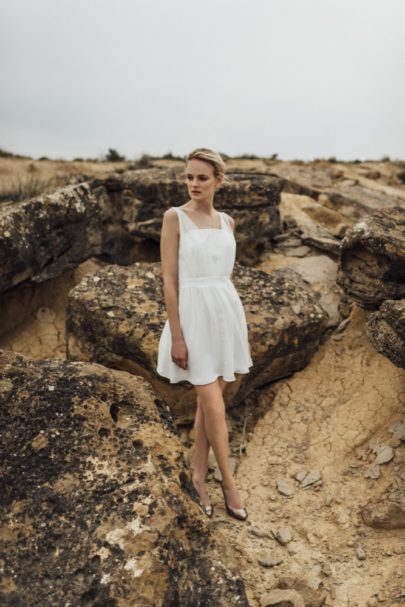 La mariée aux pieds nus - Photo : Thierry Joubert - Oh Oui par Atelier Anonyme - Robes de mariée - Collection 2016 - Modele Edmee
