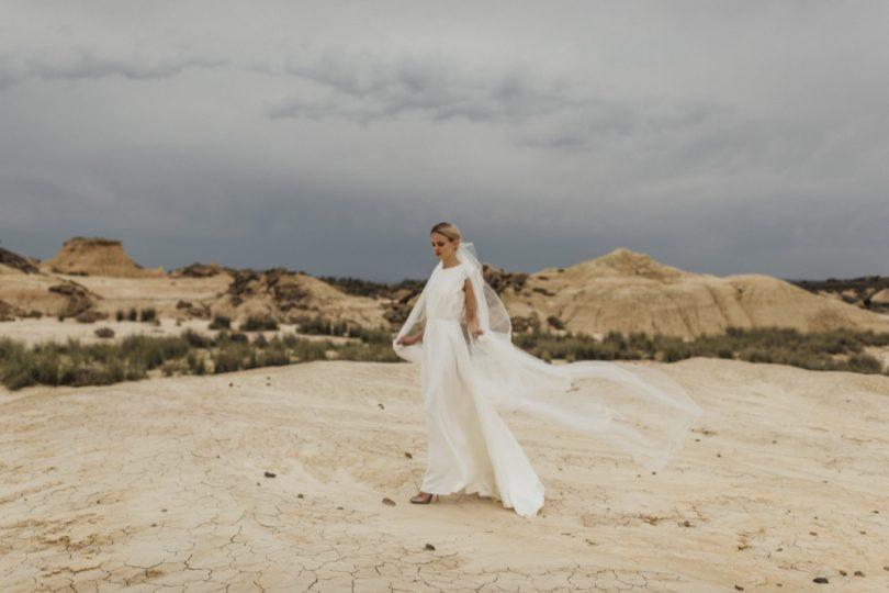 La mariée aux pieds nus - Photo : Thierry Joubert - Oh Oui par Atelier Anonyme - Robes de mariée - Collection 2016 - Modele Esperance
