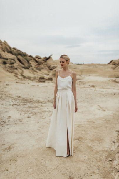 La mariée aux pieds nus - Photo : Thierry Joubert - Oh Oui par Atelier Anonyme - Robes de mariée - Collection 2016 - Modele Mina