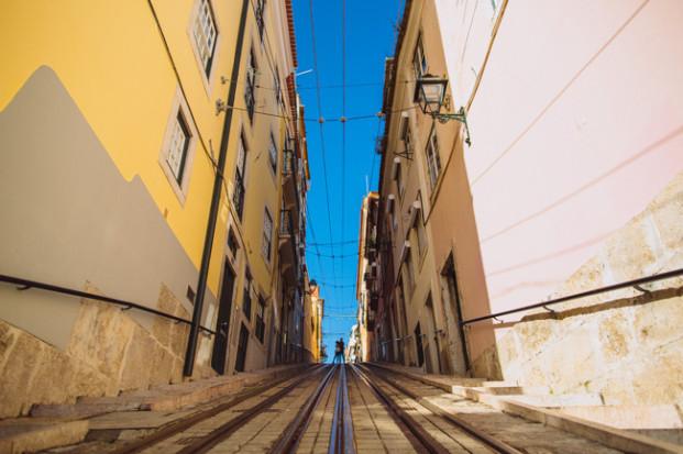 Ricardo Vieira-Une seance engagement au Portugal-La mariee aux pieds nus-15
