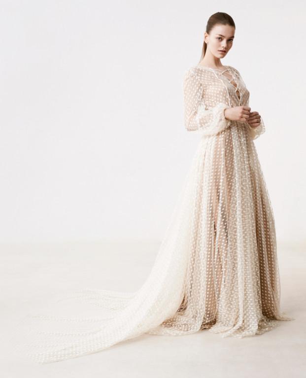Delphine Manivet - Robes de mariée - Collection 2017 - Robe Edouard et robe Ricardo - a découvrir sur le blog mariage www.lamarieeauxpiedsnus.com