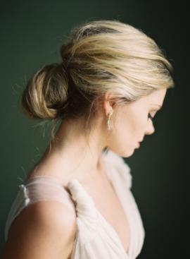Rylee Hitchner - 10 idees de chignons de mariee - La mariée aux pieds nus