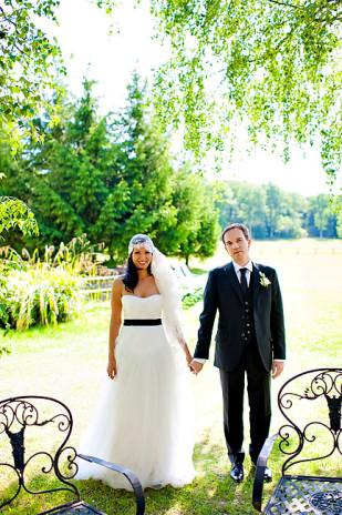 Mariage en jaune à la Butte Ronde - La mariée aux pieds nus