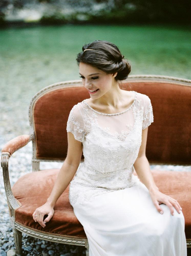 Melanie Nedelko - Un mariage inspiré par un poeme de Shakespeare - La mariée aux pieds nus