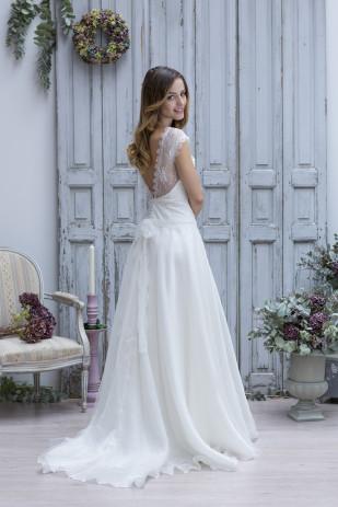 La mariee aux pieds nus - Marie Laporte - Creation de robes de mariee - collection 2014 - THEODORA