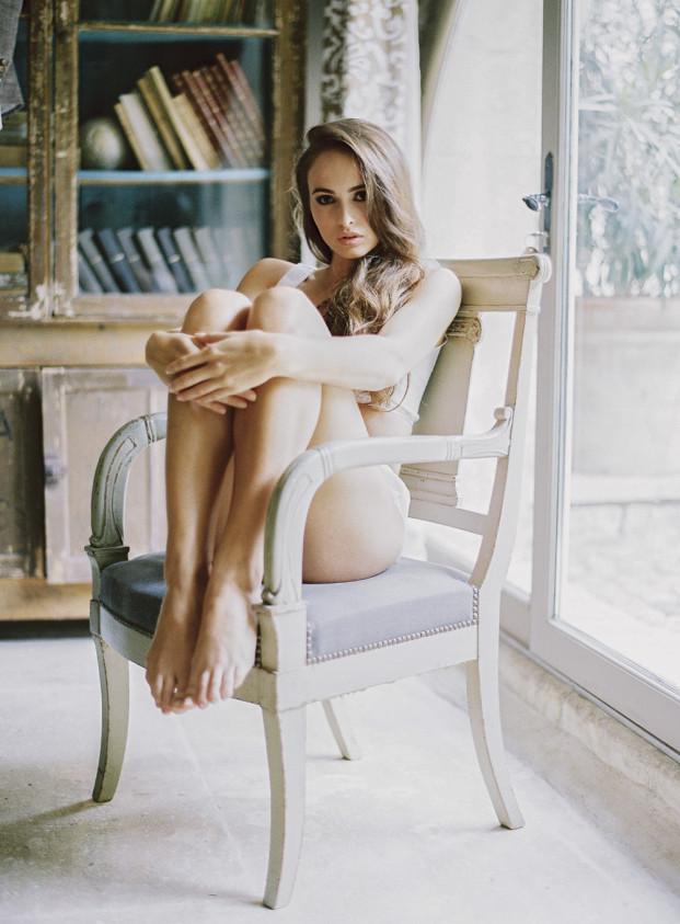 Greg Finck - Boudoir - La mariee aux pieds nus