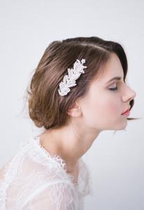 Mes 15 accessoires de tête préférés pour les mariées d'hiver - A découvrir sur le blog mariage www.lamarieeauxpiedsnus.com