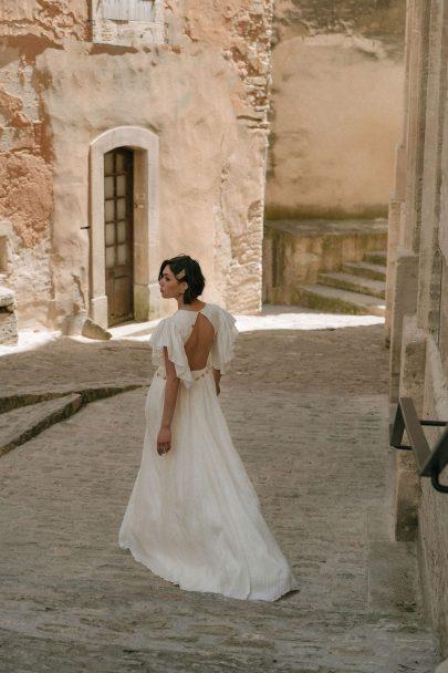 Adélie Métayer - Robes de mariée - Collection 2022 - Photographe : Jessica ruscoe - Blog mariage : La mariée aux pieds nus