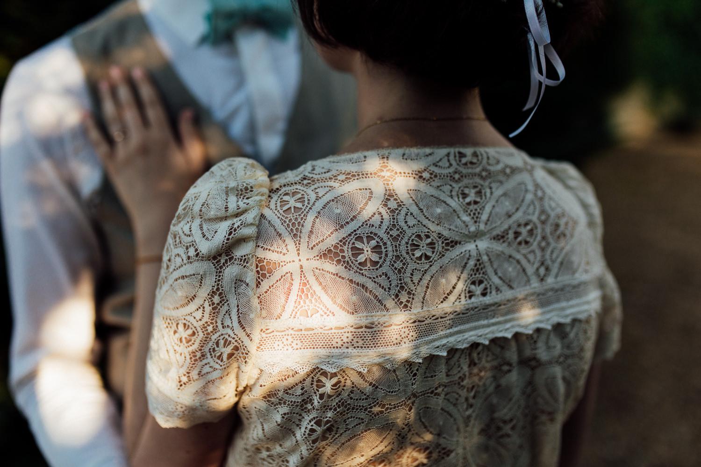Alex Tome Photography - Photographe de mariage - La mariée aux pieds nus