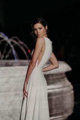 Pronovias - Collection 2018 - Barcelona Bridal Week - La mariée aux pieds nus - Photos : The Quirky