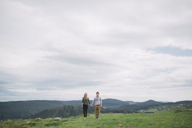Capyture - Une seance engagement en Alsace - La mariee aux pieds nus