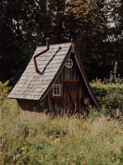 Un mariage simple et champêtre en Alsace - A découvrir sur www.lamarieeauxpiedsnus.com - Photos : Capyture