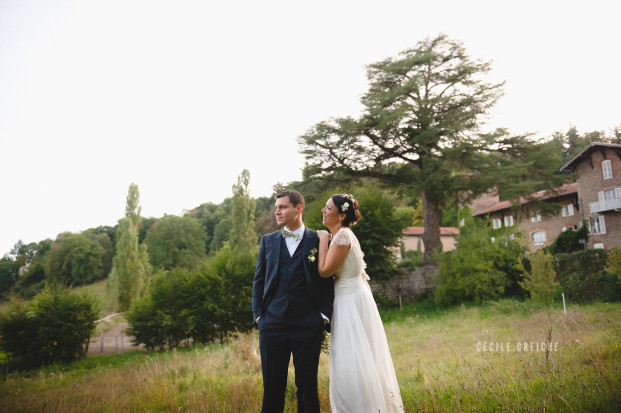 Cecile Creiche - Un mariage en jaune et vert au Manoir de Tourville - La mariee aux pieds nus