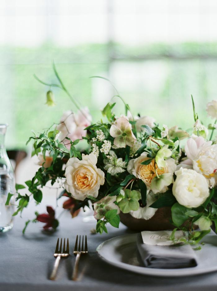 Comment imaginer votre décor de table - Un article à découvrir sur le blog mariage www.lamarieeauxpiedsnus.com