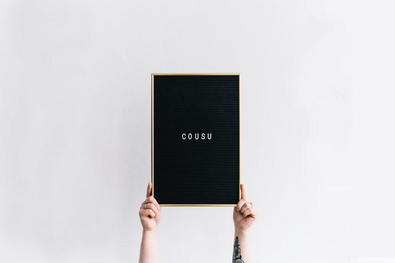 COUSU : mouchoirs brodés pour occasions heureuses - Chloé Lapeysonnie - La mariée aux pieds nus