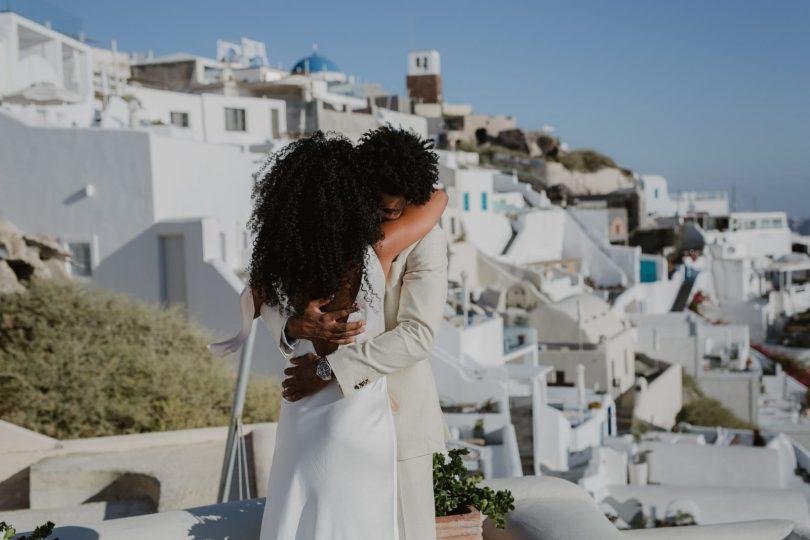 Un elopement sur l'île de Santorin - Photos : Days Made Of Love - Blog mariage : La mariée aux pieds nus