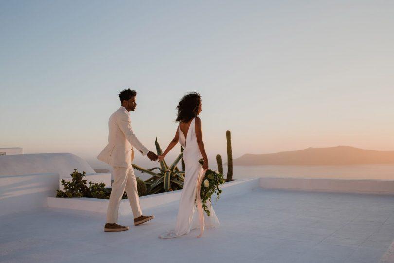 Une elopement sur l'île de Santorin - Photos : Days Made Of Love - Blog mariage : La mariée aux pieds nus