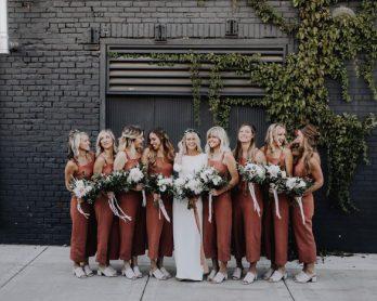 Tenues demoiselles d'honneur pour un mariage couleur terracotta - La mariée aux pieds nus