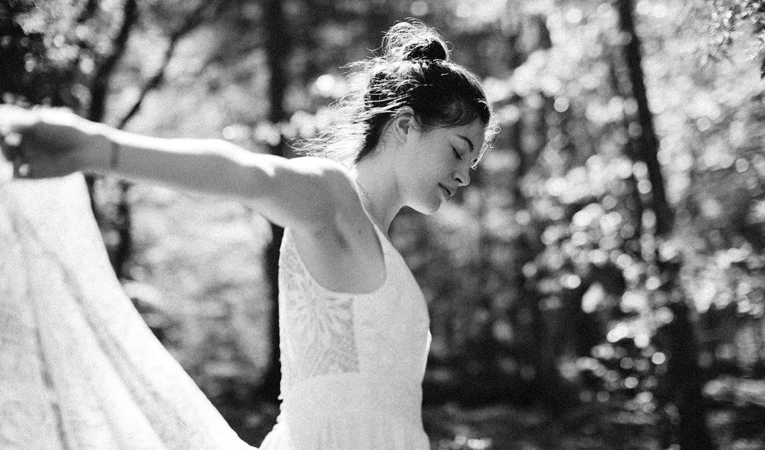 Elise Hameau - Robes de mariée - Collection 2018 - Blog mariage : La mariée aux pieds nusElise Hameau - Robes de mariée - Collection 2018 - Blog mariage : La mariée aux pieds nus