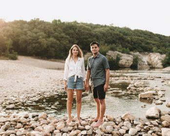 Une séance engagement en Ardèche - Photos : Neupap Photography - A découvrir sur le blog mariage La mariée aux pieds nus