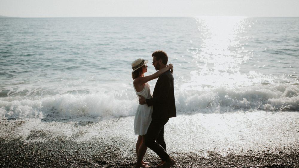 Une séance engagement en Corse - Soul Pics Photographe - La mariée aux pieds nus