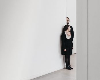 Une séance engagement à la Fondation Louis Vuitton - Photos : Warren Lecart - Blog mariage : La mariée aux pieds nus