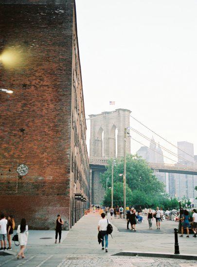 Une séance engagement à New York -Photos : Jérémy Ferrero - Blog mariage : La mariée aux pieds nus