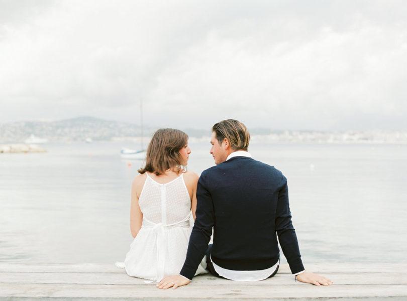 Une séance engagement sur la Côte d'Azur - A découvrir sur le blog www.lamarieeauxpiedsnus.com - Photos : Jérémy Ferrero