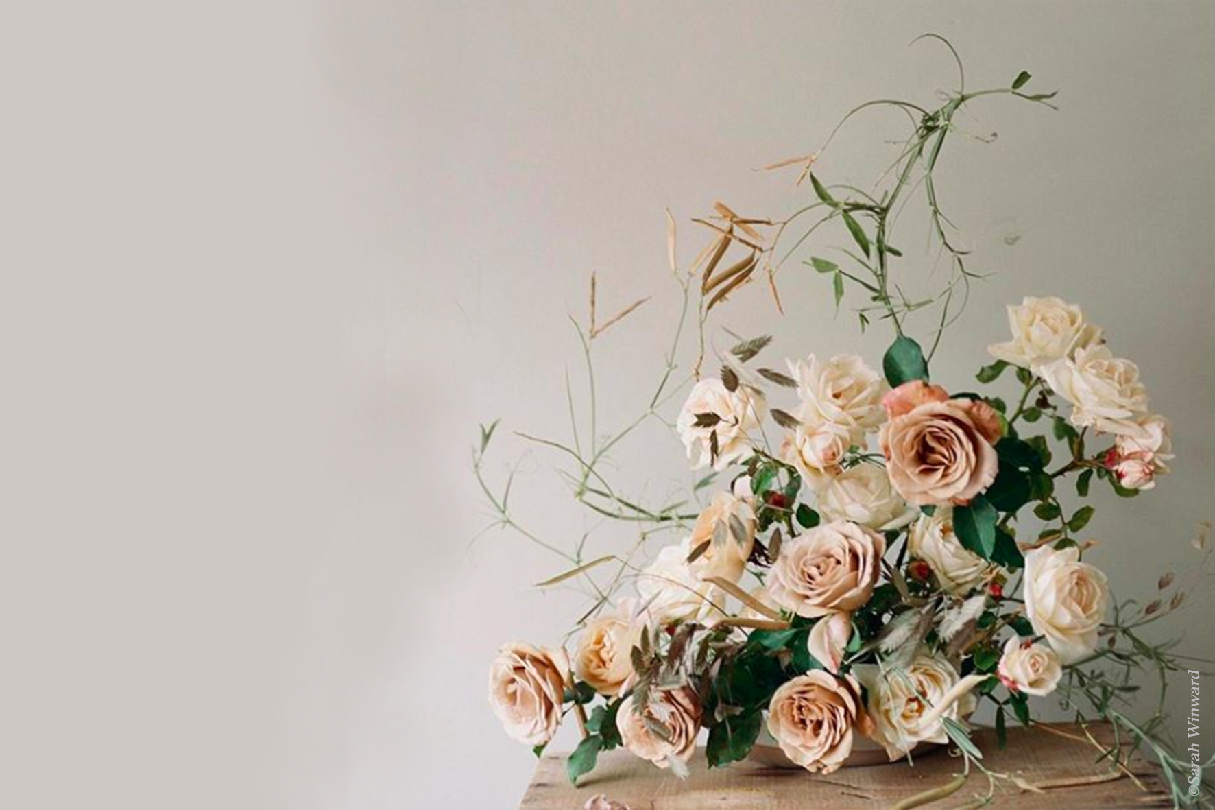 incorporer des fleurs s ch es dans la d coration de votre mariage la mariee aux pieds nus. Black Bedroom Furniture Sets. Home Design Ideas