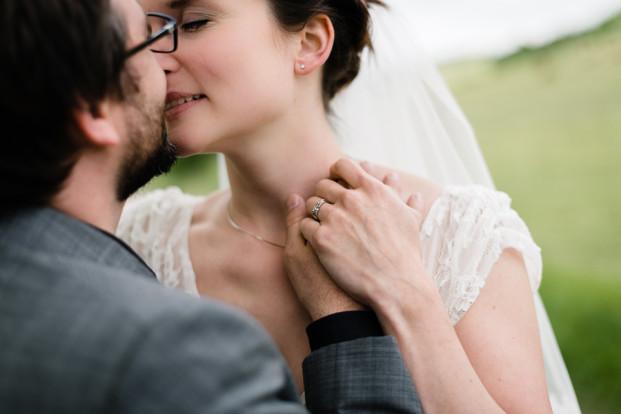 Fred Courtois Photographe - Un mariage au Moulin Saint Germain - La mariee aux pieds nus