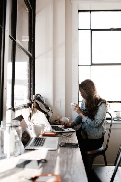 Gérer sa facturation lorsqu'on est indépendant - Conseils de pro -Blog La mariée aux pieds nus