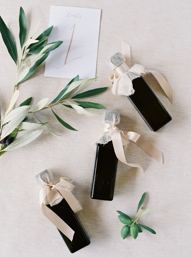 Mariage - Les cadeaux d'invités - Des idées à découvrir sur le blog mariage www.lamarieeauxpiedsnus.com