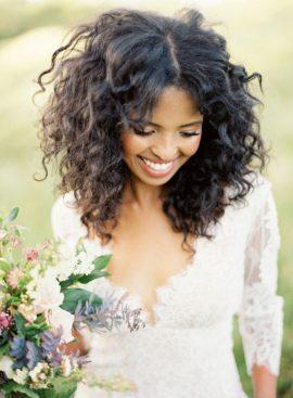 10 idées de coiffures pour cheveux afro - à découvrir sur www.lamarieeauxpiedsnus.com - Photo : Christine Donee
