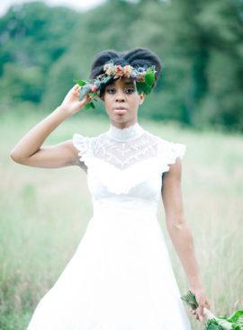 10 idées de coiffures pour cheveux afro - à découvrir sur www.lamarieeauxpiedsnus.com - Photo : IYQ Photography