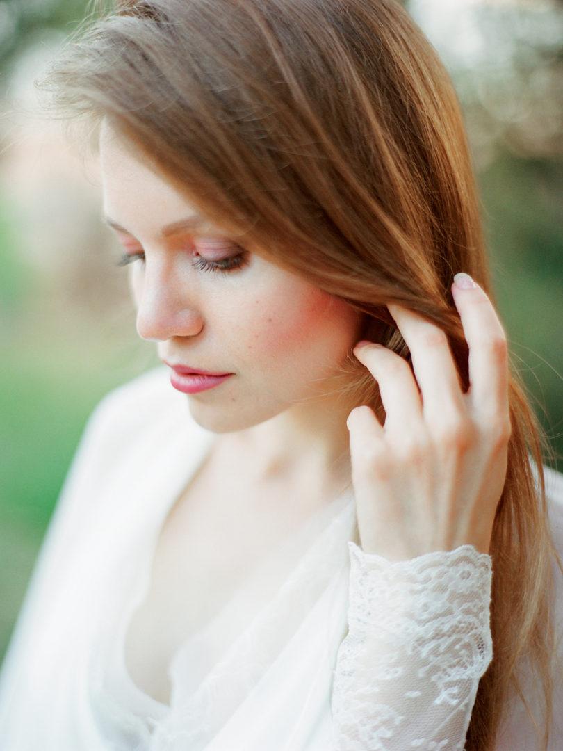 Ksenia Milushkina - Un mariage romantique en rose et rouge - Inspiration - La mariee aux pieds nus