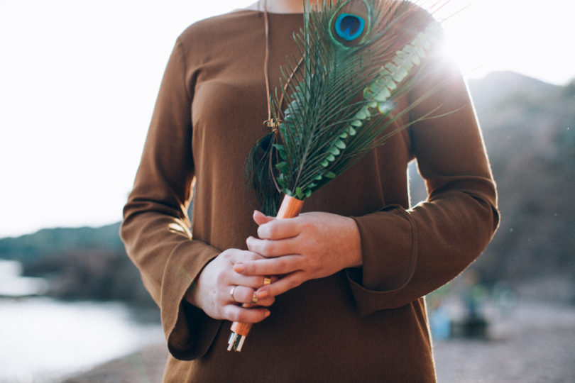 Ingrid Lepan - Un mariage en cuivre ocre et emeraude sur la plage - La mariee aux pieds nus