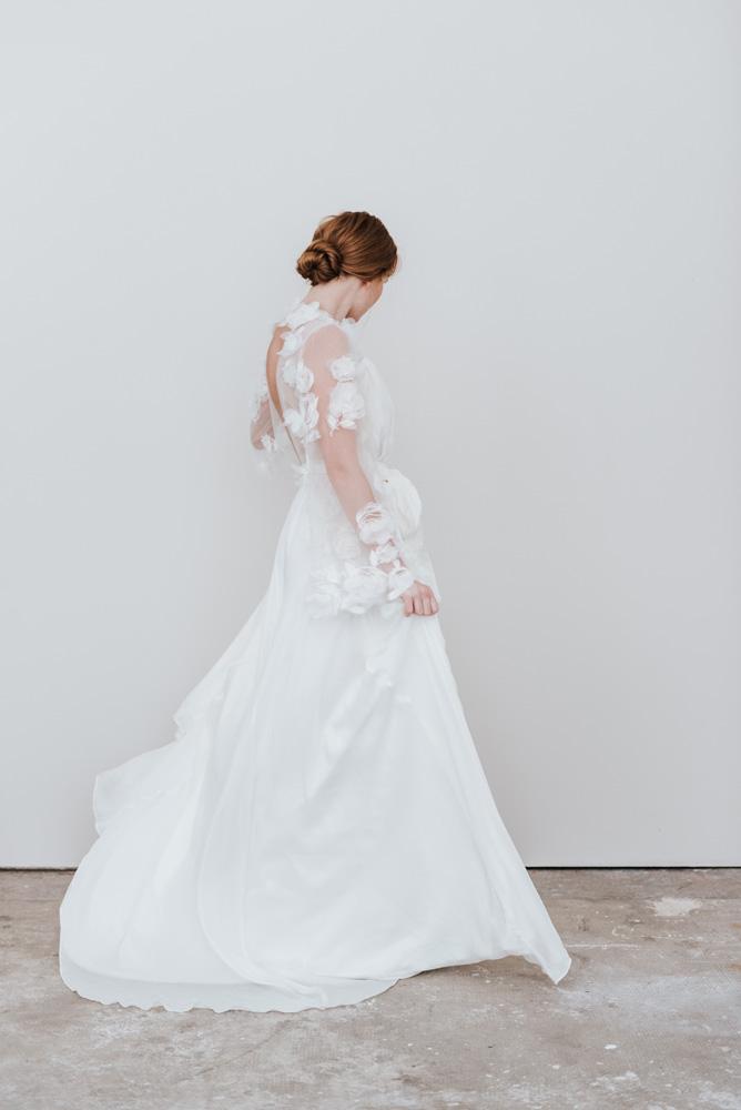 Isabella Boutin - Robes de mariée - Collection 2020 - Photos : Chloé Lapeyssonnie - Blog mariage : La mariée aux pieds nus