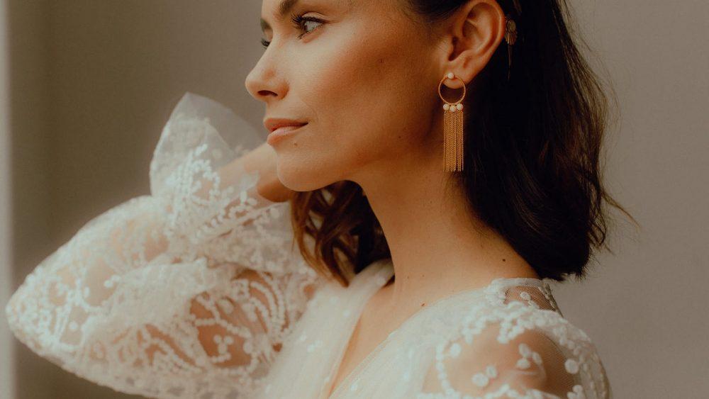 La chambre blanche - Accessoires et bijoux de mariée - Collection 2020 - Photos : Vanessa Madec - Blog mariage : La mariée aux pieds