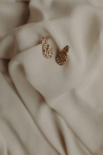 La chambre blanche - Accessoires de mariée - Collection 2021 - Photos : Baptiste Hauville - Blog mariage : La mariée aux pieds nus