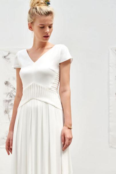 A découvrir sur le blog mariage www.lamarieeauxpiedsnus.com - Camille Marguet - Robes de mariée - Collection 2017 - Modele : Aime