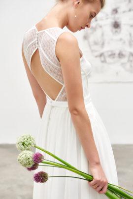 A découvrir sur le blog mariage www.lamarieeauxpiedsnus.com - Camille Marguet - Robes de mariée - Collection 2017 - Modele : Jeasper
